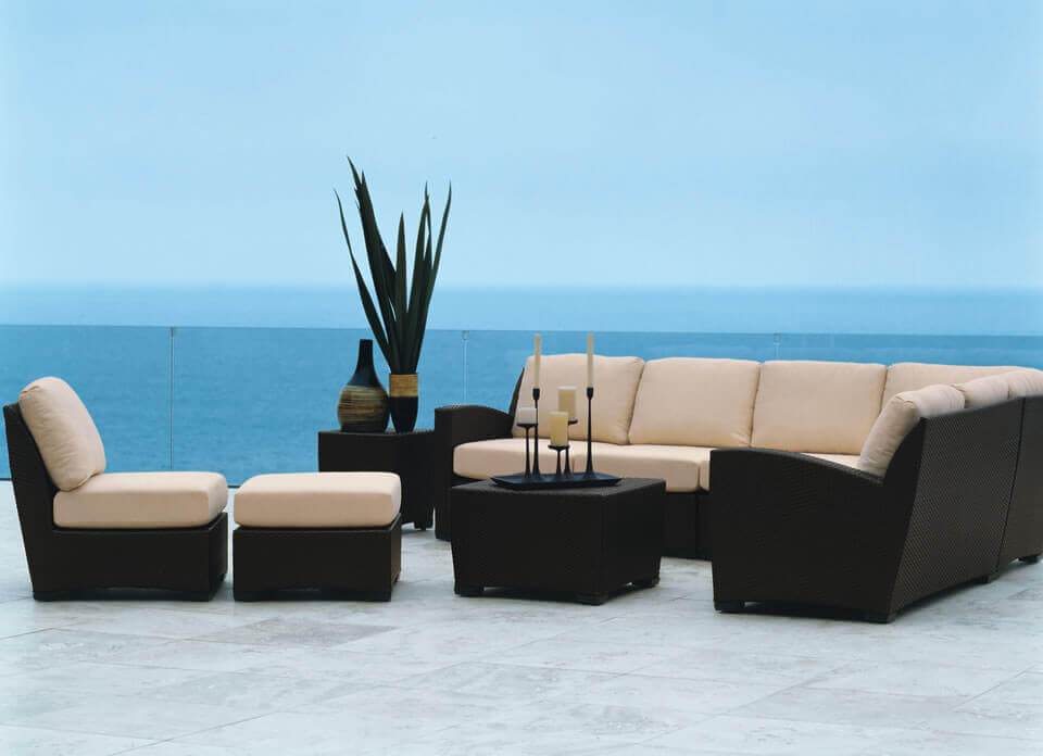 Brown-Jordan_Fusion_Deep_Seating_Collection